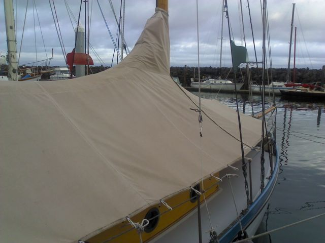 Fitted Boat cover for 31 ft classic s/v Vito Dumas